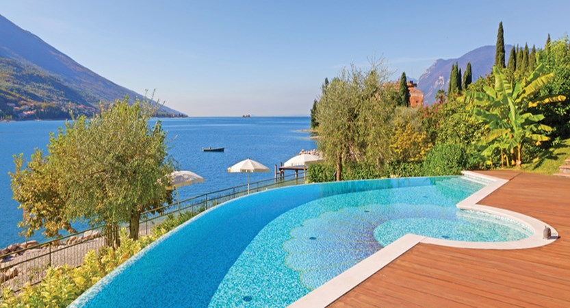 Maximilian Hotel, Malcesine, Lake Garda, Italy - outdoor pool.jpg