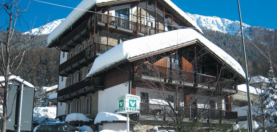 italy_courmayeur_hotel_scotiattolo_exterior.jpg