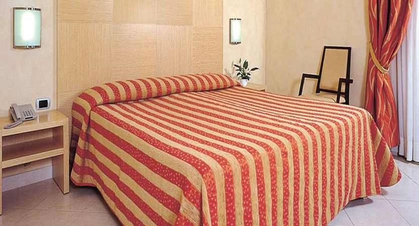 Continental Hotel, Sirmione, Lake Garda, Italy - Double bedroom.jpg