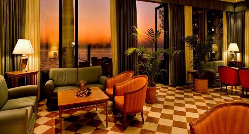 Hotel Sirmione, Sirmione, Lake Garda, Italy - lounge.jpg