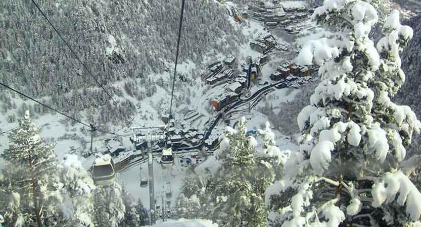 Andorra_Arinsal_Arinsal-village-view-gondola.jpg