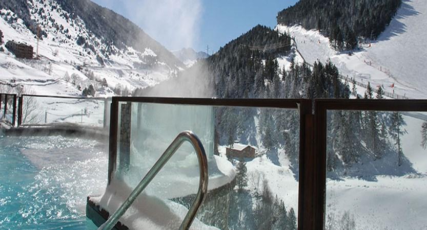 Sport Hotel Hermitage, outdoor spa.jpg