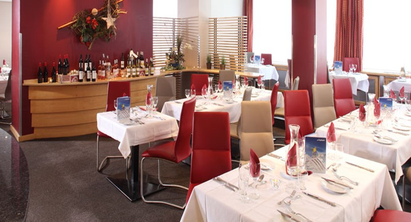 austria_st-christoph_chalet-hotel-st-christoph_dining-room.jpg