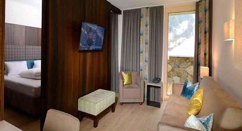 Austria_St-Anton_Hotel-Nassereinerhof_Lounge.jpg