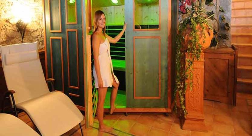Austria_St-Anton_Hotel-Nassereinerhof_Sauna.jpg