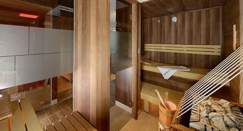Austria_St-Anton_Hotel-Nassereinerhof_Sauna_interior.jpg