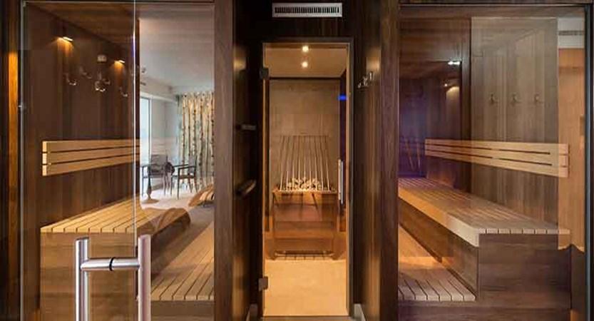 Austria_St-Anton_Hotel-Nassereinerhof_Sauna_relax_room_front.jpg