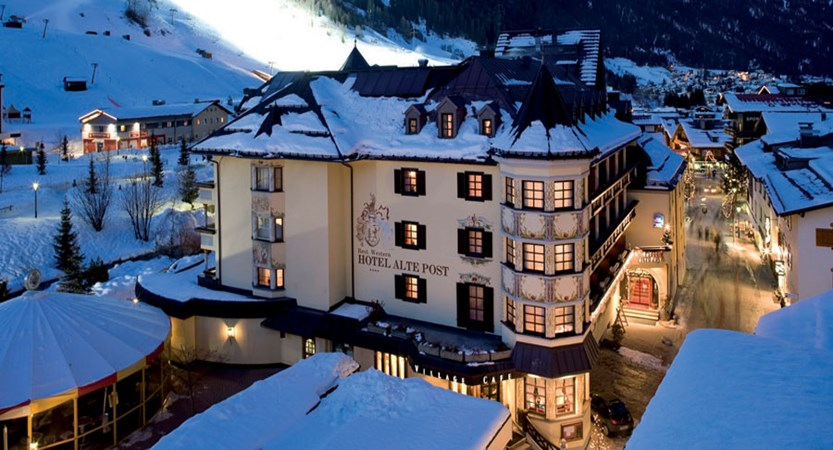 Austria_St-Anton_Hotel-Alte-Post_Exterior-winter-night.jpg