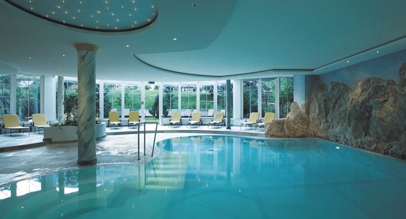 austria_st-anton_hotel-alte-post_indoor-pool_wide.jpg