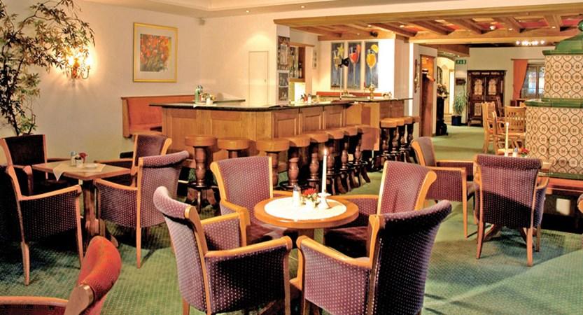 Austria_St-Anton_Hotel-Alberg_dining2.jpg