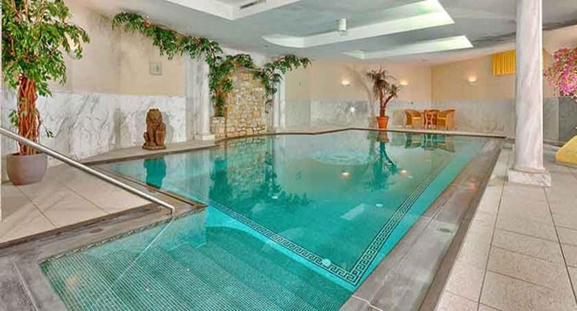 Austria_St-Anton_Hotel-post_indoor-pool.jpg