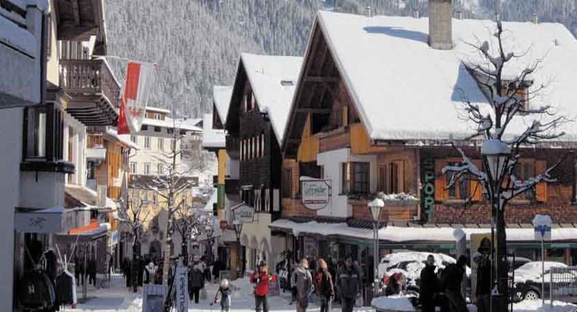 austria_alberg-ski-area_st-anton_town-view.jpg
