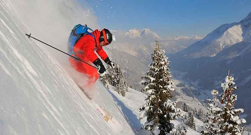austria_st-anton_ski_closeup.jpg