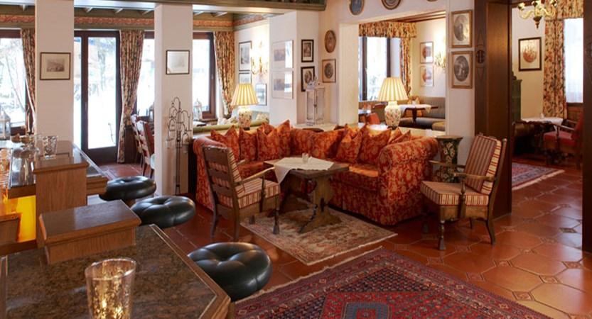 austria_arlberg-ski-area_lech_hotel_haldendorf_Lounge.jpg