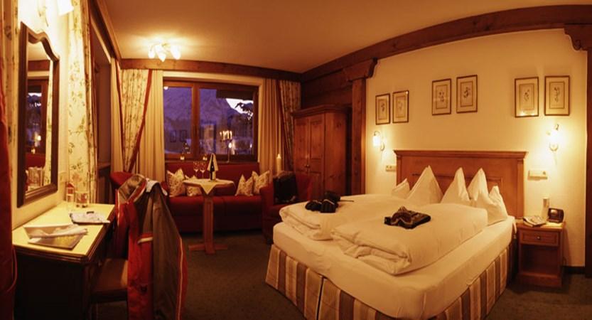 austria_arlberg-ski-area_lech_hotel_haldendorf_superior_twin_room.jpg