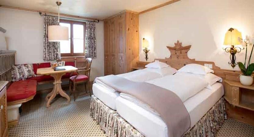 austria_arlberg-ski-area_lech_Hotel-Berghof_arlberg_bedroom.jpg
