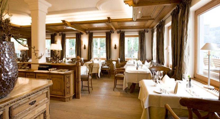 austria_arlberg-ski-area_lech_Hotel-Berghof_arlberg_dining.jpg