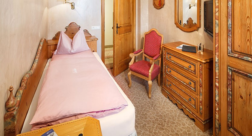 chesa-rosa-snowman-single-bedroom.jpg