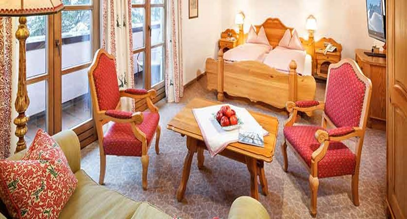 chesa-rosa-snow-queen-twin-bedroom.jpg