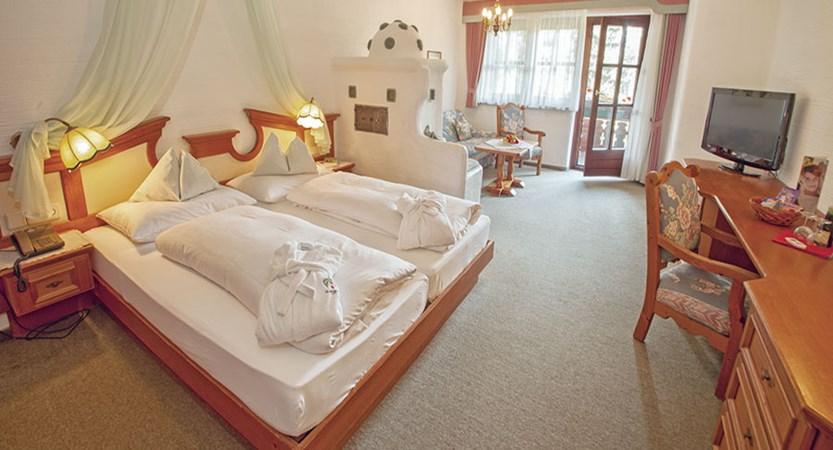 Austria_Bad-Kleinkirchheim_Hotel-Trattlerhof_Bedroom4.jpg