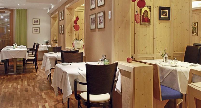 Austria_Bad-Kleinkirchheim_Hotel-Eschenhof_Dining.jpg