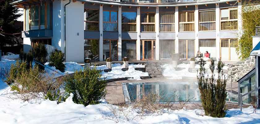 Austria_Bad-Kleinkirchheim_Hotel-Eschenhof_exterior.jpg