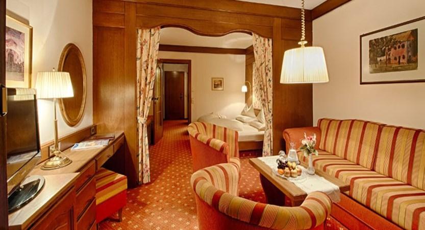 austria_bad-kleinkirchheim_thermal-spa-hotel-pulverer_living-room.jpg