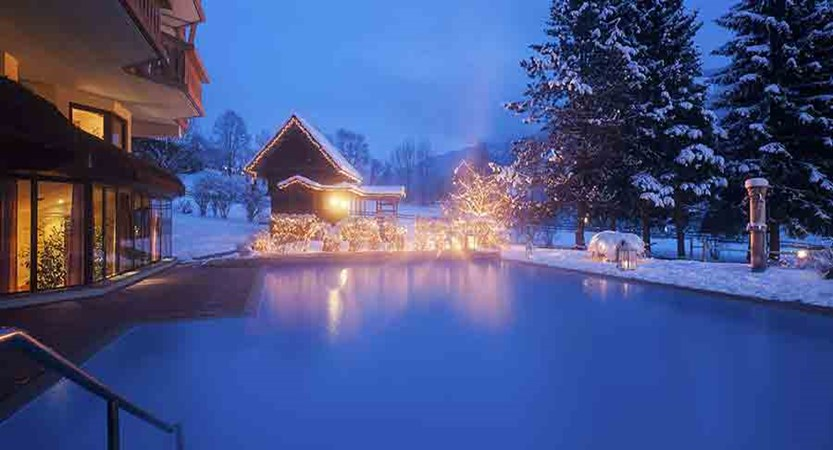 Austria_Bad-Kleinkirchheim_Thermal-spa-hotel-pulverer_thermal-outdoor-pool.jpg