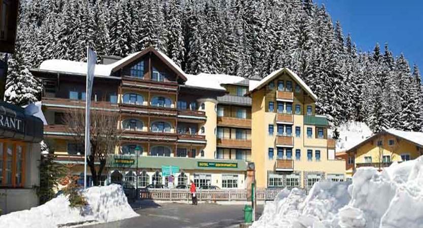 austria_filzmoos_hotel-bischofsmütze_exterior_sun.jpg