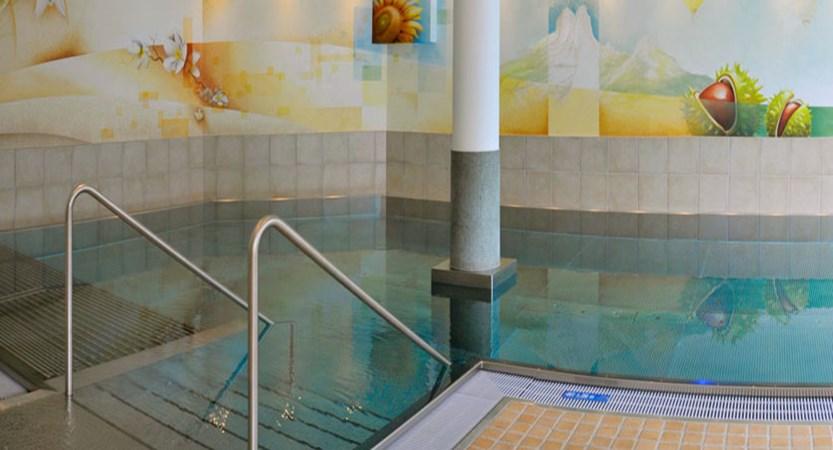 austria_filzmoos_hotel-bischofsmütze_indoor_pool.jpg