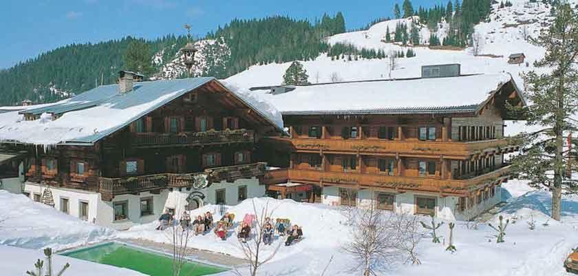 Austria_Filzmoos_Hotel-Unterhof_Exterior-winter.jpg