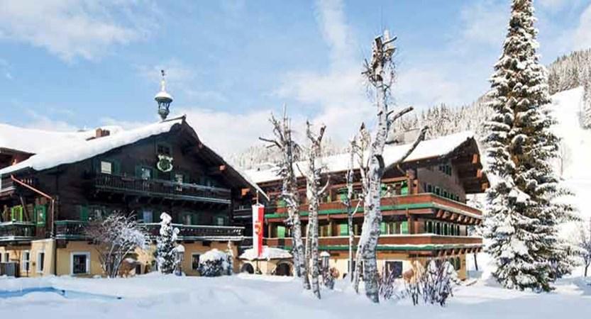 Austria_Filzmoos_Hotel-Unterhof_Exterior-winter3.jpg