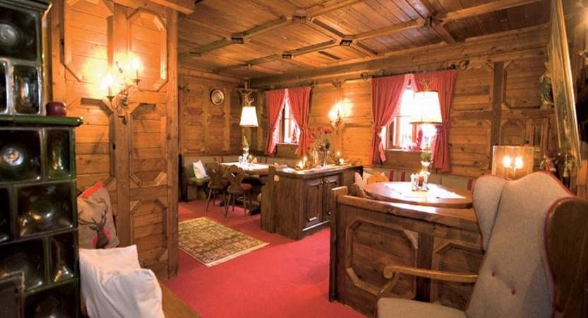 Austria_Filzmoos_Hotel-Unterhof_Lounge-area.jpg
