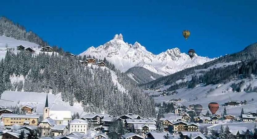 Austria_Filzmoos_balloon.jpg