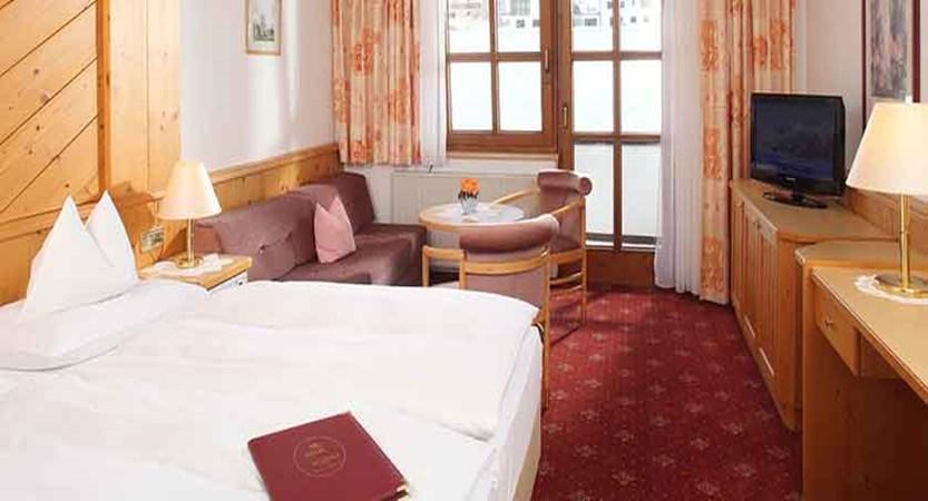 Austria_Galtur_Hotel-Büntali_Bedroom2.jpg