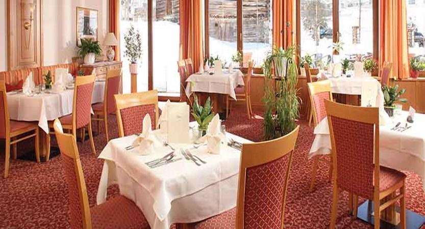 Austria_Galtur_Hotel-Büntali_Dining-room.jpg