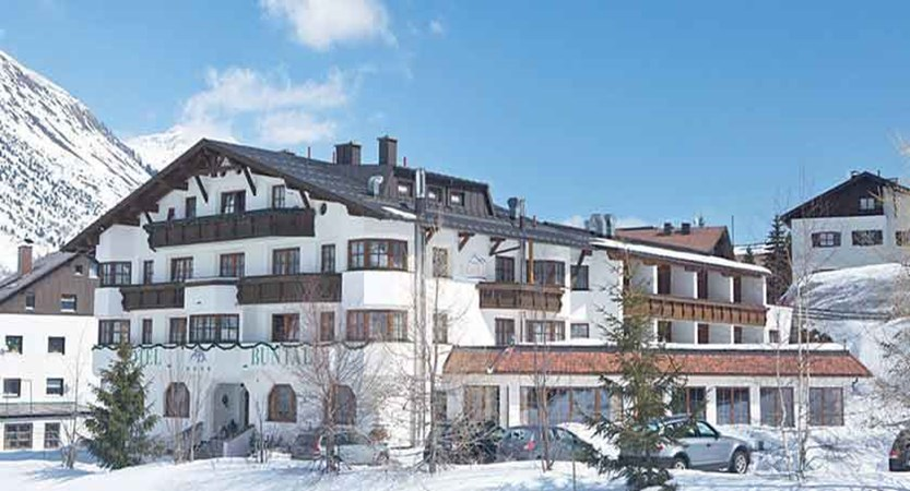 Austria_Galtur_Hotel-Büntali_Exterior-winter.jpg
