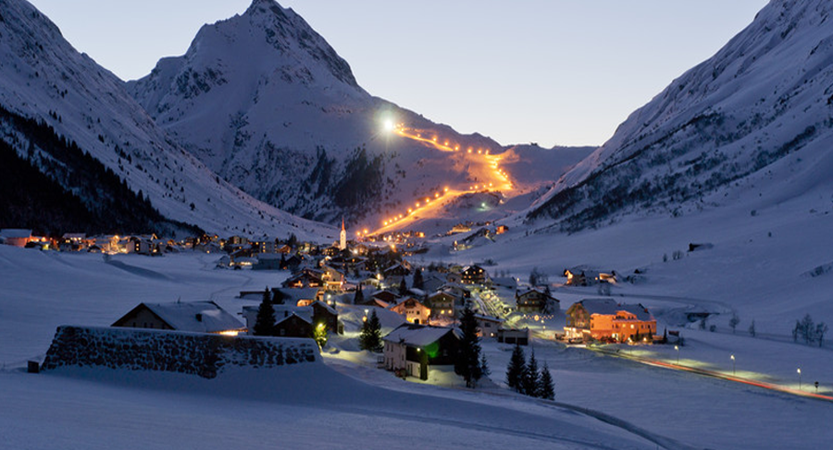 Austria_Galtur_Resort-view-night.png