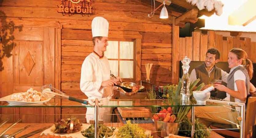 Austria_Hochgurgl_Hotel-Riml_chef-prepares-meals.jpg