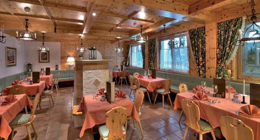 Austria_Hochgurgl_Hotel-Riml_Dining-room5.jpg