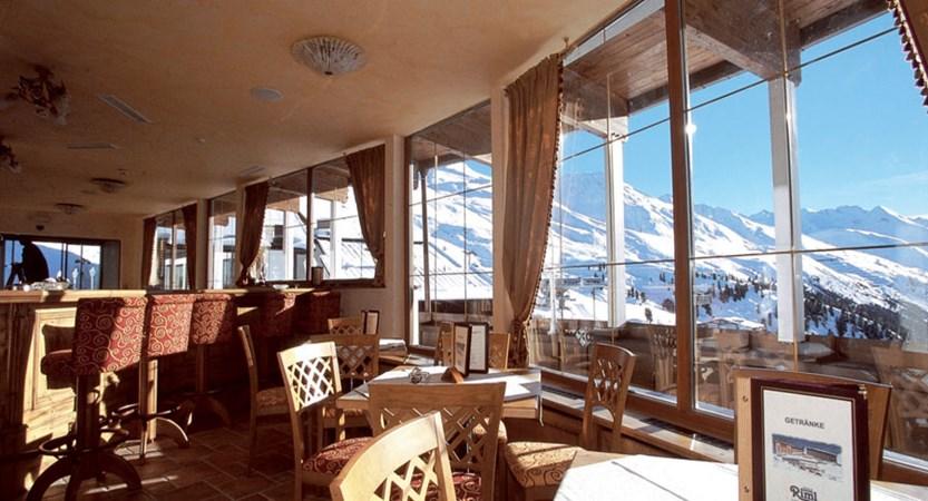 Austria_Hochgurgl_Hotel-Riml_Dining-room-view.jpg