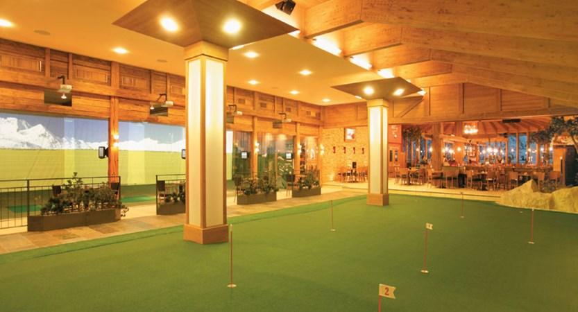 Austria_Hochgurgl_Hotel-Riml_indoor-golf2.jpg