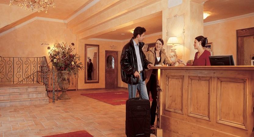 Austria_Hochgurgl_Hotel-Riml_Reception.jpg