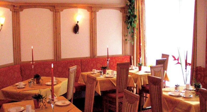Austria_Ischgl_Hotel_dorfschmiede_breakfast.jpg