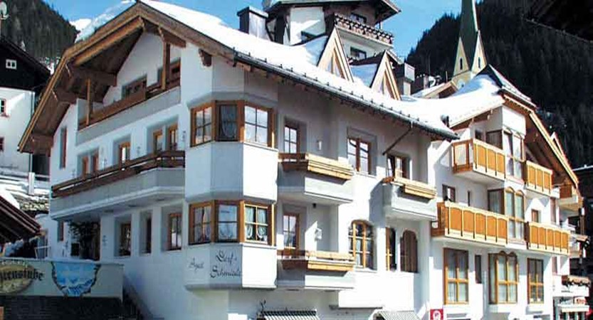 Austria_Ischgl_Hotel_dorfschmiede_exterior.jpg