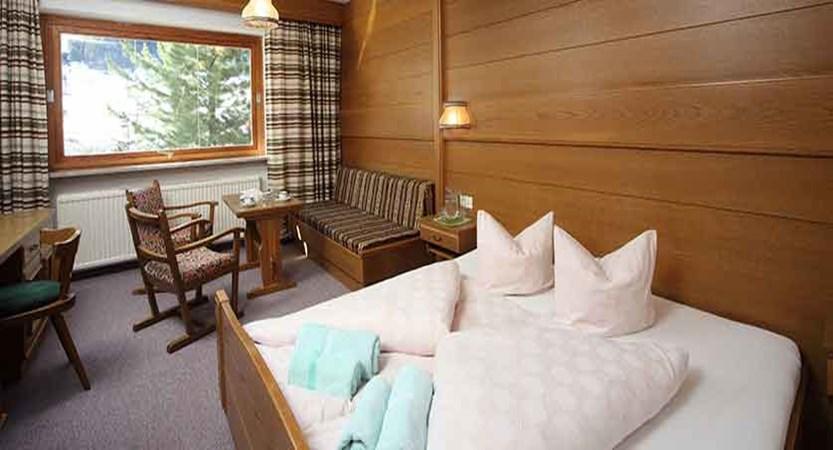 Austria_Ischgl_Hotel_Val Sinestra_bedroom2.jpg
