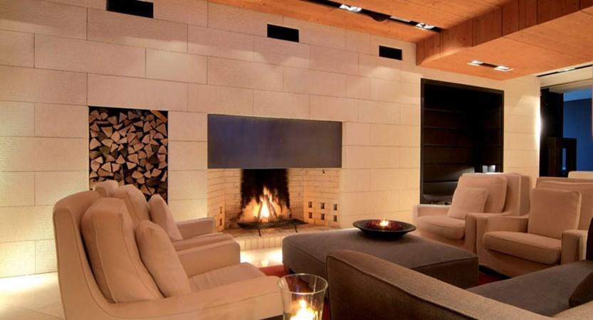 austria_ischgl_hotel-madlein_modern-lounge-open-fire-place.jpg