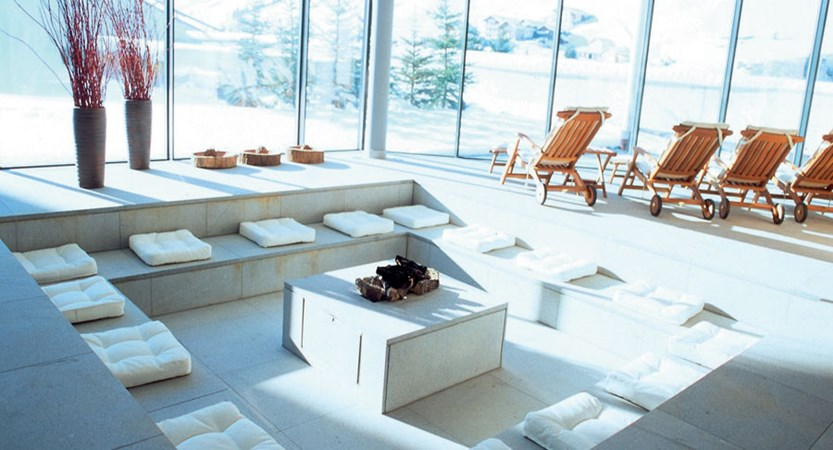 austria_ischgl_hotel-madlein_relaxation_spa-area_with_great-view.jpg
