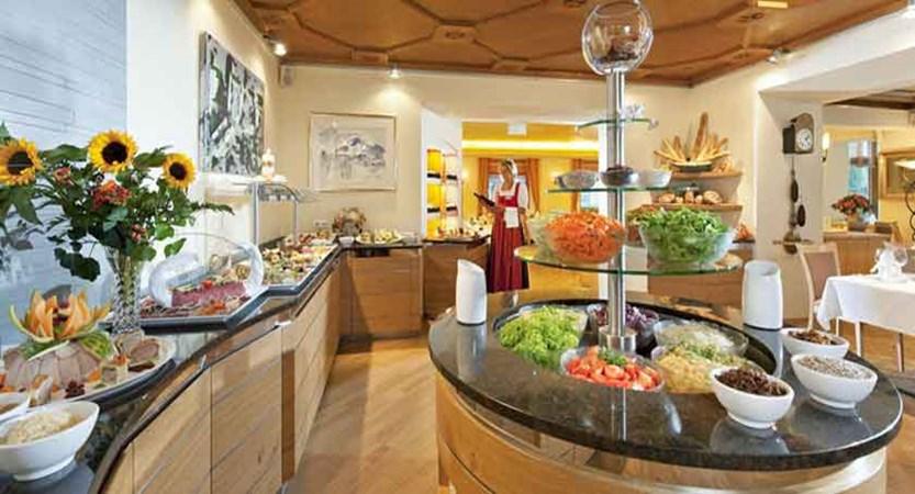 Austria_Kitzbuhel_Hotel-Schweizerhof_Restaurant-buffet.jpg