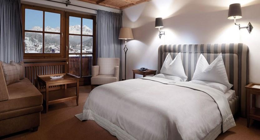 Austria_Kitzbuhel_Hotel-Schwarzer_Adler_Bedroom_Walde.jpg